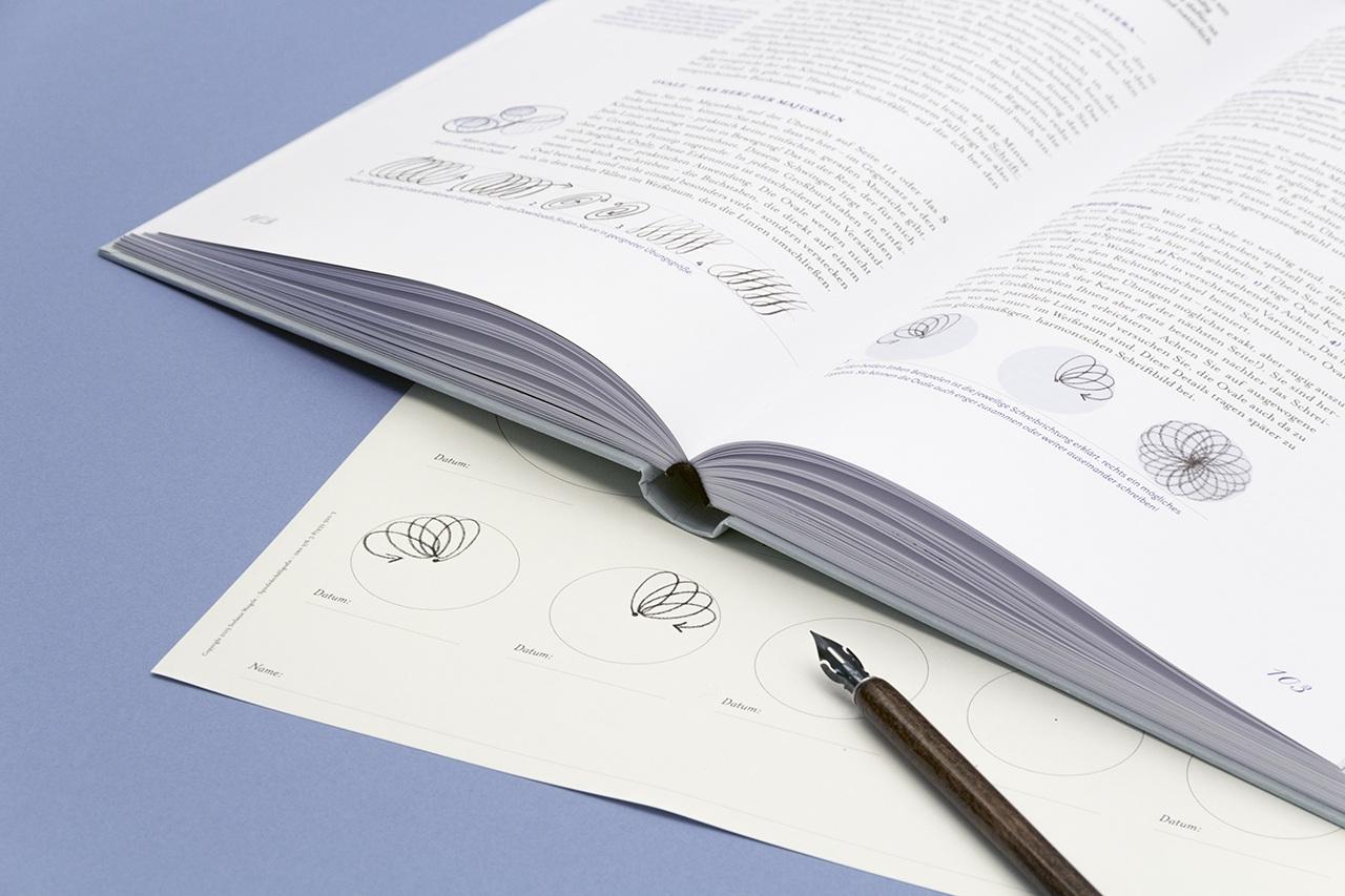 Detailansicht der Gestaltung von Spitzfederkalligrafie
